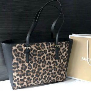 $269 Michael Kors Jet Set Handbag Purse MK Bag